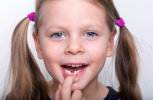 Травмы молочных зубов
