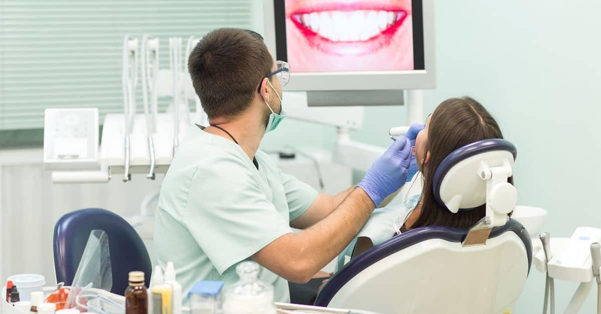 Ремотерапия зубов в сети стоматологий Дента-Эль