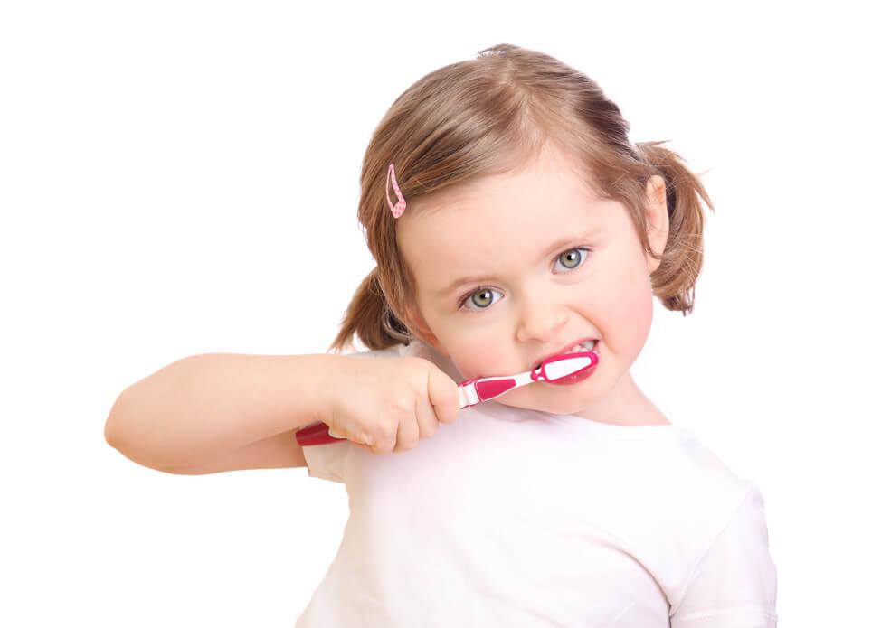 Чистка молочных зубов фото
