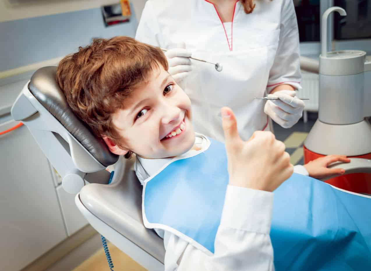 Допустимый возраст для установки зубных имплантов фото