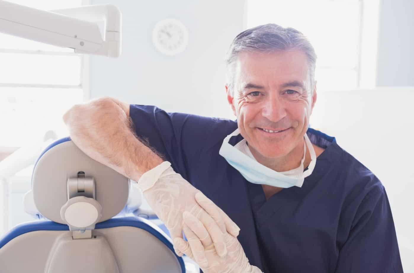 Имплантация зубов челюсти или протезирование фото